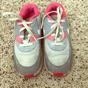 Nike youth size 10 tennis shoes